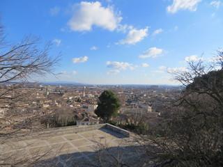 Plan large sur Avignon